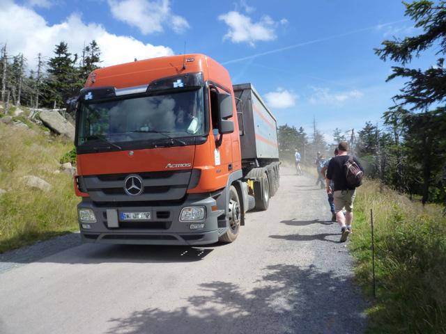 Ein LKW auf dem Harzer Hexenstieg